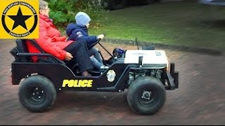 Granny POLICE Tour on Children-JEEP by 3year old Boy