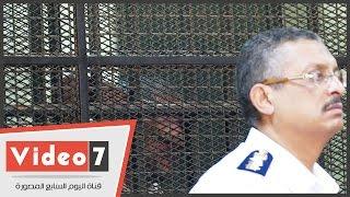 بالفيديو.. علامات الندم على وجه أمين الشرطة قاتل بائع الشاى