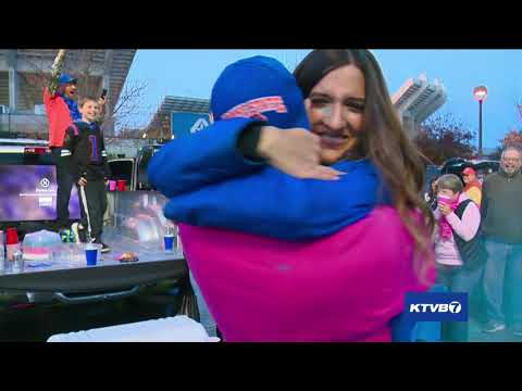 Boise State fans throw a gender reveal party while tailgating before Broncos' game against Hawai'i thumbnail