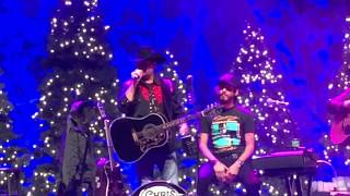 Chris Janson - Drunk Girl - Hometown Holiday Seattle, WA 12/13/2017 Video