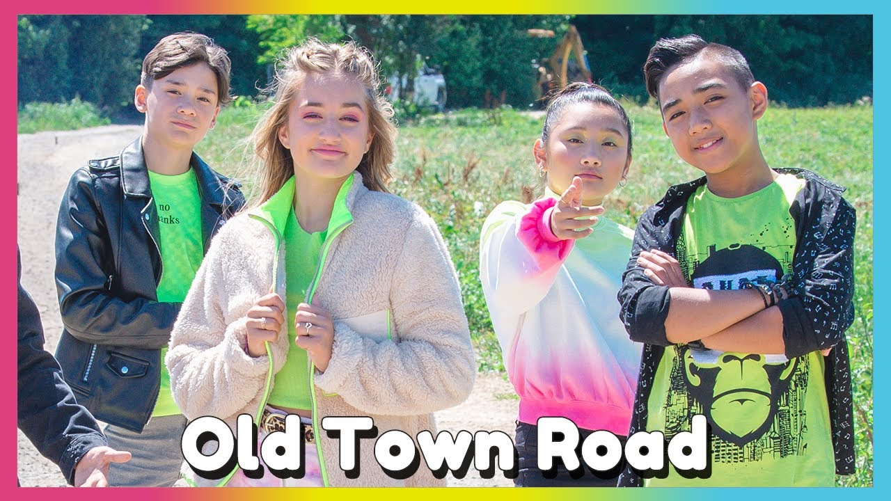 Old Town Road Lil Nas X Feat Billy Ray Cyrus Official Music Video Mini Pop Kids Youtube
