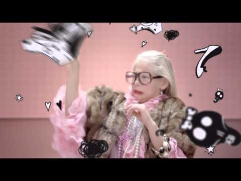Соня в рекламе шампанског 2