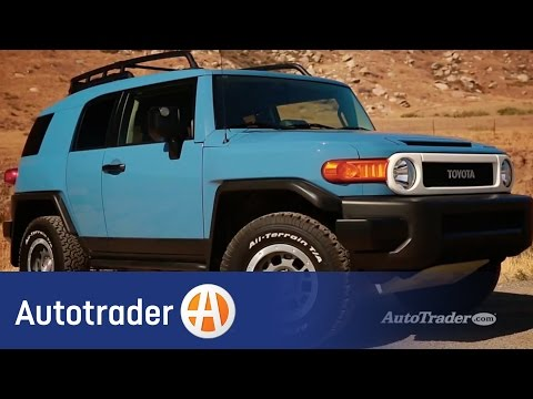 2014 Toyota FJ Cruiser | 5 Reasons to Buy | Autotrader