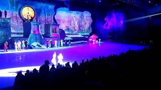 """Шоу Авербуха """"Алиса в стране чудес"""" 04.01.2018 Квадрокоптер упал в зал на зрителей"""