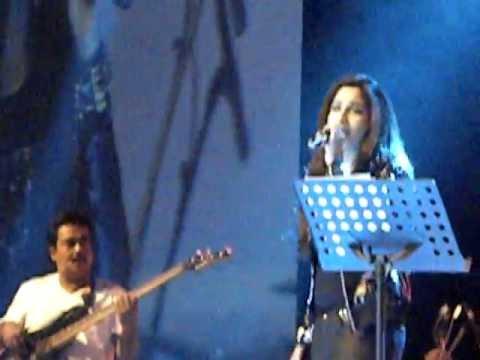 Nuvvem Maya Chesavo gaani- Shreya Ghoshal Live