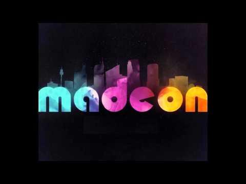 Blur - Song 2 (Madeon remix Creamfields 2013)