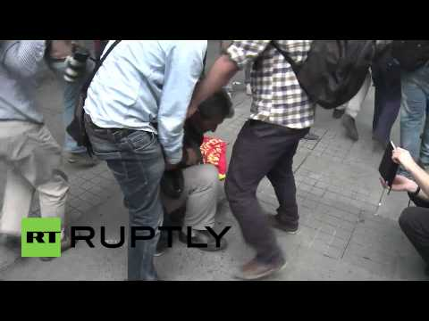 Turkey: Riot police shoot tear gas in Istanbul on Gezi anniversary