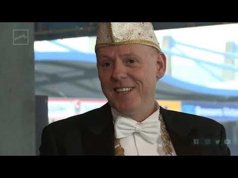 Prins Etienne D'n Irste, Onze Hoogheid! - KruikenTv