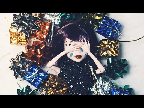 L.A. Girlfriend - Crying On Christmas