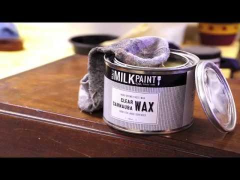 How to Use Carnauba Wax to Polish Furniture