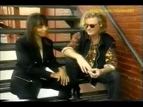 Daryl Hall talks The Temptations~Meeting Them At 17 + Rare Performance @ The Apollo w/The Tempts '92