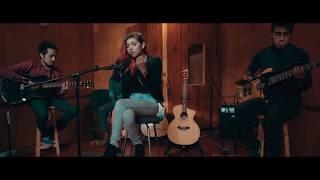 Смотреть клип Daniela Calvario - Supiste Hacerme Mal