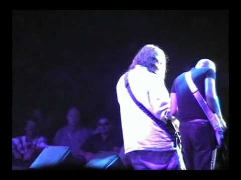 Bumblefoot with Joe Satriani Live 2004 - Goin' down
