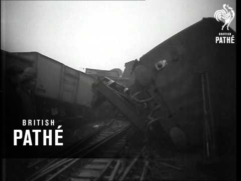 Rail Crash At Finsbury Park (1959)