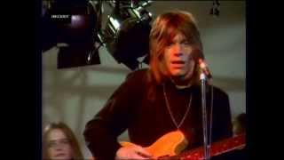 Watch Dave Edmunds I Hear You Knocking video