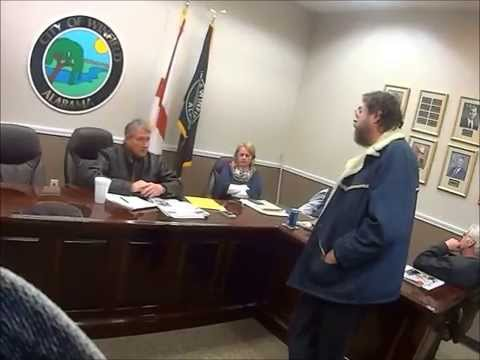 Alabama Hellbilly faces City council full