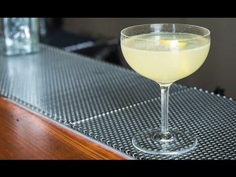 How to Make the Bee's Knees cocktail - Liquor.com