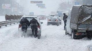 Kiev'de yoğun kar yağışı nedeniyle olağanüstü hal ilan edildi