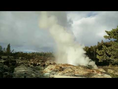 Steamboat Geyser Eruption, May 6, 2018 (Yellowstone National Park)