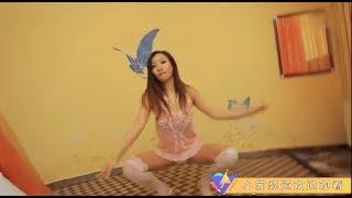 【福利小視頻】穿著睡裙的美女跳著極致誘惑的熱舞,讓妳想入非非!