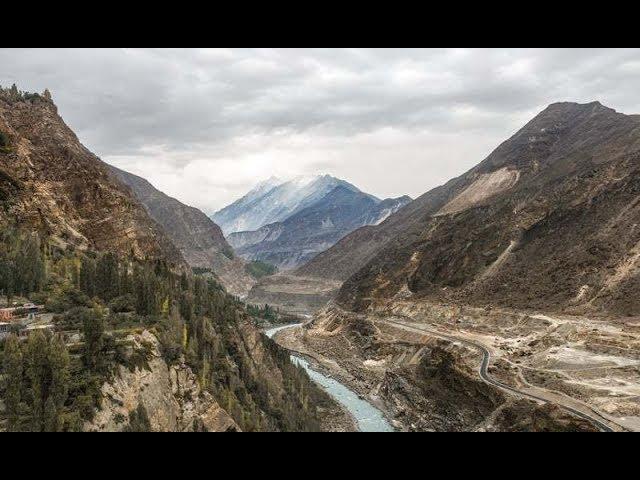 Gilgit Baltistan mein paharon kay aalimi din kay moqay per numaish