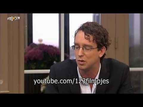 Harry Mens stinkt in VARA's TV-Lab grap over poeptrui Caxza in uitzending Business Class.