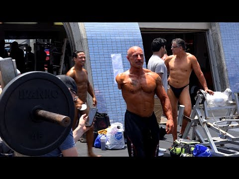 Backstage at a Muscle Beach Bodybuilding Contest 2017