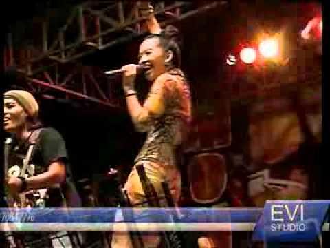 MONATA Live in Tegal - Buka Dikit Jos Rena KDI