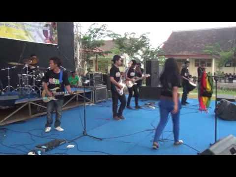 BANTENG RASTA - (cover sewu kutho DIDI KEMPOT) live at SMKN 1 ...