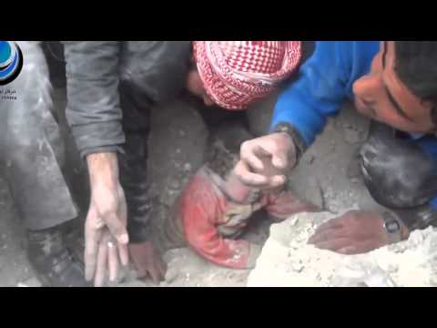 Allahu Akbar! || A Child Is Found Alive Under The Rubble In Syria! || Saved Using Bare Hands!