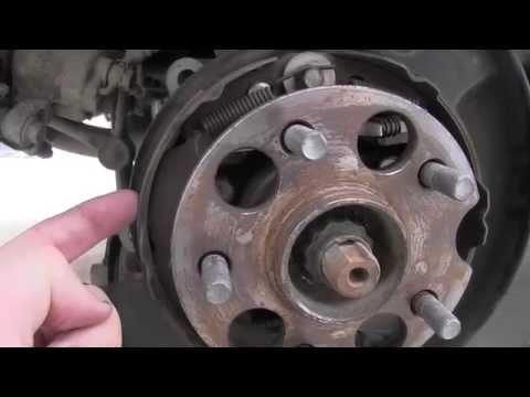 Toyota Highlander Rear Brake Inspection Youtube