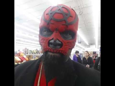 Tech N9ne wore his mask in Walmart!