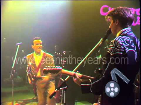 """Crowded House- """"Something So Strong"""" Live 1987 (Reelin' In The Years Archives)"""