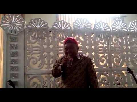 November Rain - Guns N Roses, karaoke vocal by Toto.  (Different Camera)