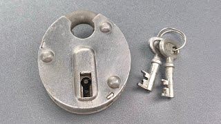 [1224] Soviet Lock Fails Because of Terrible Material Choice