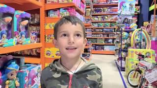 Стефан в магазине Игрушек - Дорожный патруль Полицейские машинки Тачки Гонки для детей
