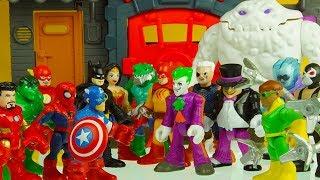 BATMAN SPIDERMAN IRON MAN HULK WONDER WOMAN vs JOKER FREEZE DOC OCK & other bad guys superhero toys