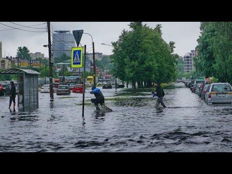 Сильные дожди затопили Санкт-Петербург