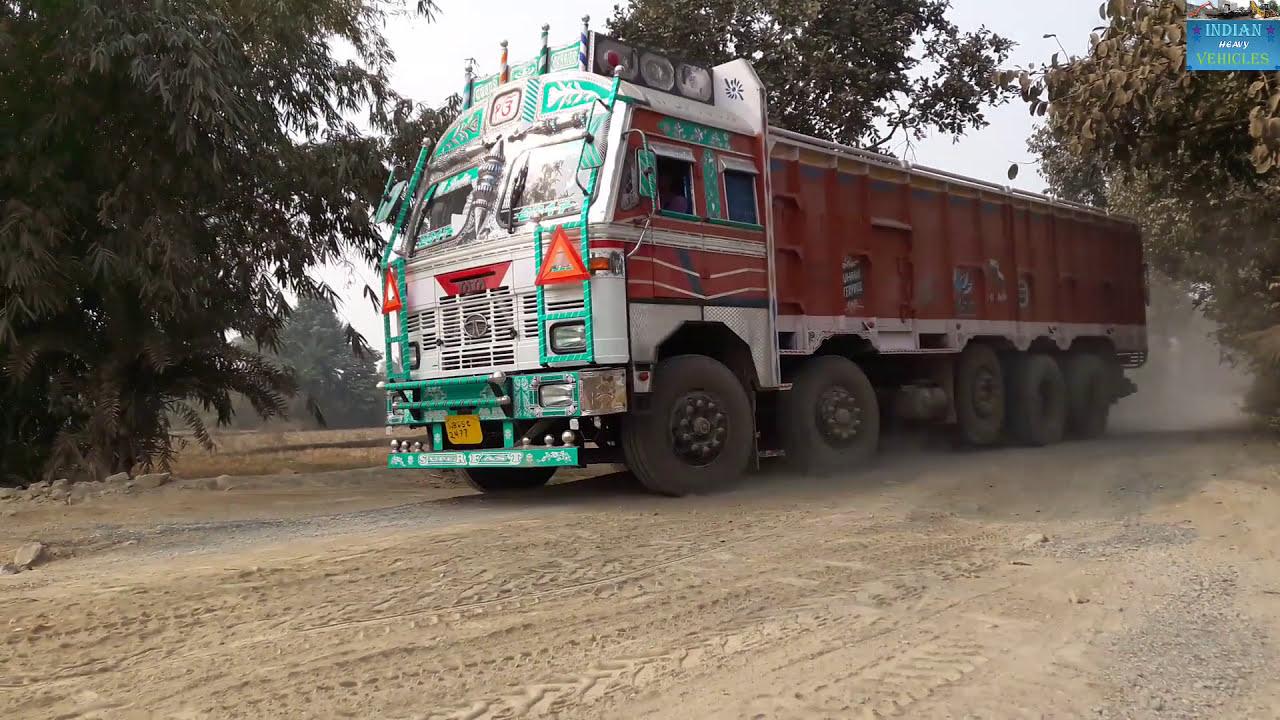 Tata 3718 Lpt 14 Wheeler In Road