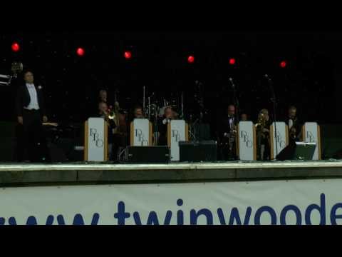 The Pasadena Roof Orchestra@The Main Arena@Twinwood Festival 2016