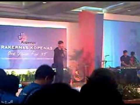 ADA BAND -  manja ( cover RHEVA and the musical ) live in palangkaraya kalimantan