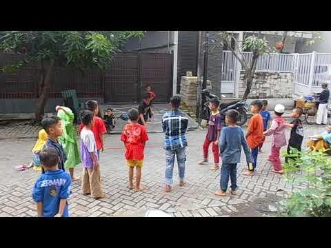Menikmati keceriaan anak-anak yatim Mp3