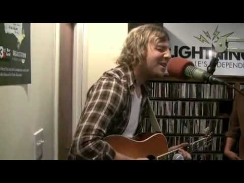 Andrew_Belle Performs the Acoustic Version Static Waves HQ with Lyrics