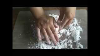 Cooking | Como Hacer Masa para Flores.wmv