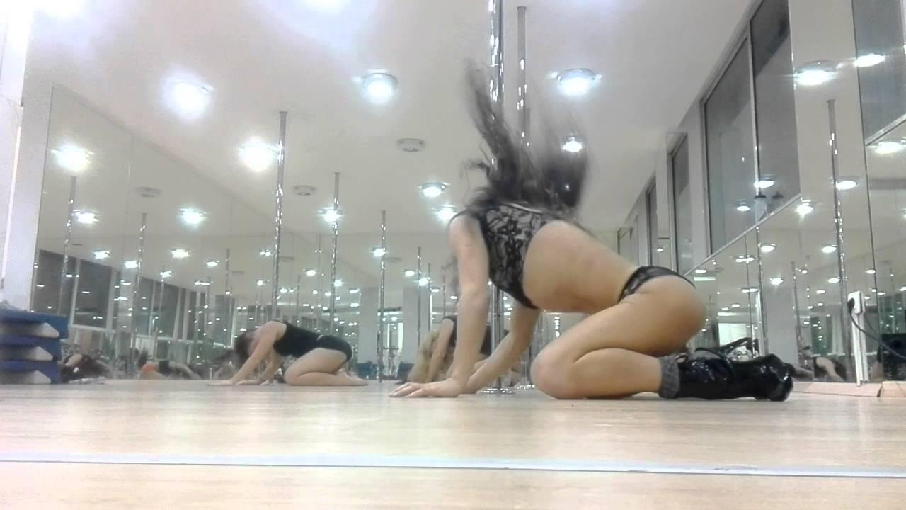 Beginners Pole Dance Routine - YouTube