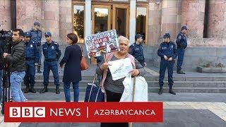 Yerevanda başı Azərbaycan bayrağına bürünmüş Paşinyana etiraz