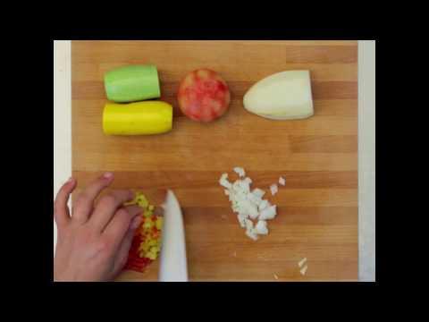 la-ratatouille,-riz-&-poulet-pour-bébé---les-vidéos-de-bavoir-&-tablier