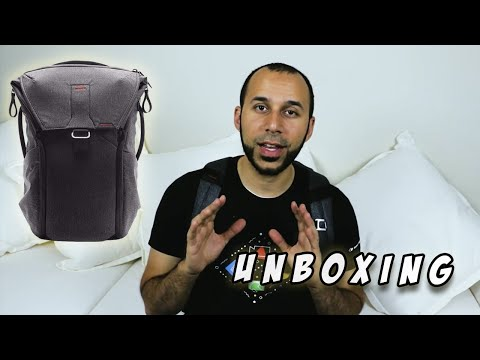 Unboxing the Peak Design Everyday Backpack