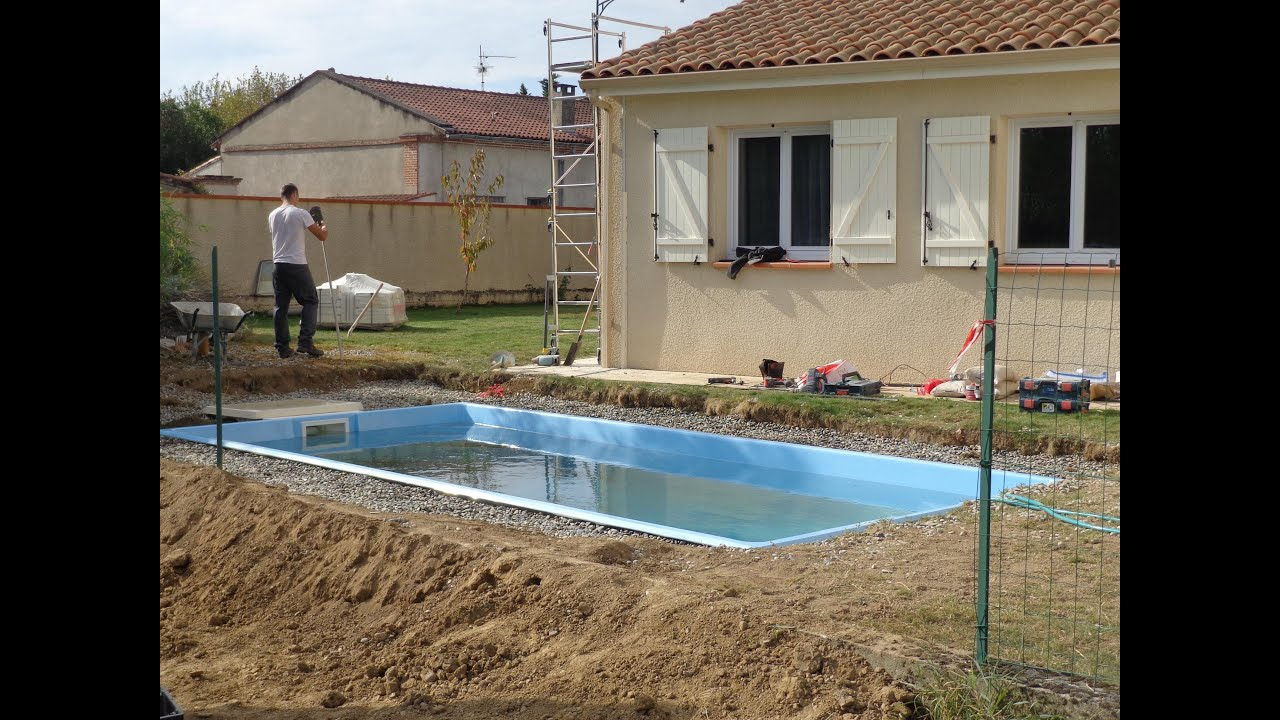 Swimming pool construction in france installation d 39 une for Construction piscine france