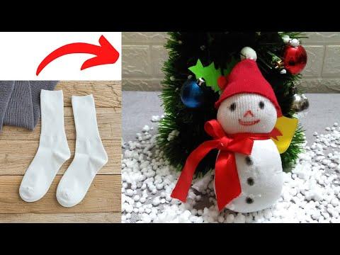 Cách Làm Người Tuyết Trang Trí Giáng Sinh Từ Tất | DIY Sock Snowman | người tuyết giáng sinh